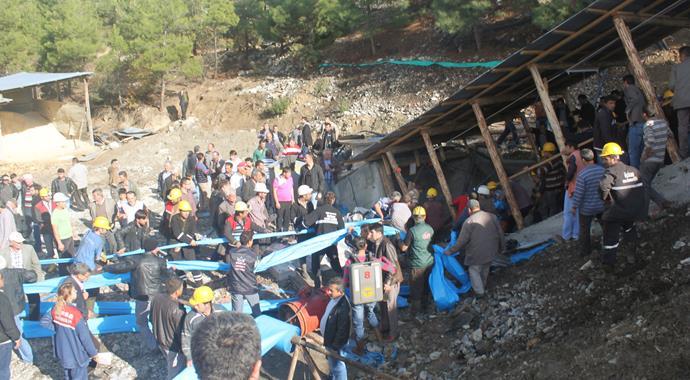 Ermenek'te maden ocağını henüz belirlenemeyen bir nedenden dolayı su bastı. 18 işçi madende mahsur kaldı…