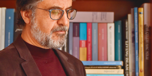 Ehli dil, ehli irfan, ehli fikr  gazeteci yazar Mehmet Akif Emre'nin vefatını teessürle öğrenmiş bulunmaktayız. Kendisine Allah'tan rahmet yakınlarına başsağlığı diliyoruz.